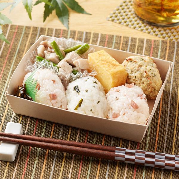 「梅しらす・わかめ飯 鶏肉アスパラ・しそつくね」(380円)