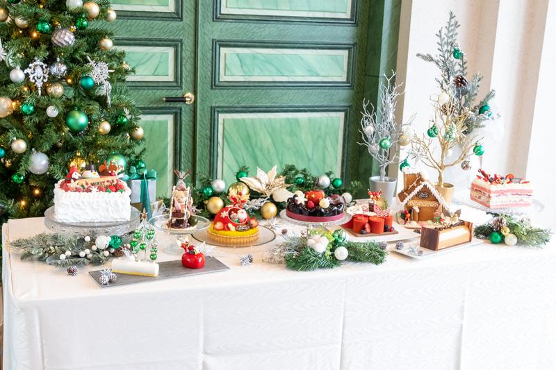 ロイヤルパークホテルのパティシエが製作した2021年のクリスマスケーキ