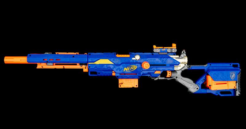 実射に使った「ロングストライク」はナーフのブラスターの中でも最高級に格好いい