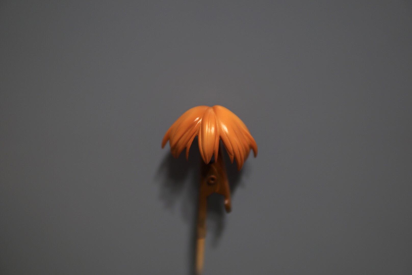 最後にガイアノーツの「クリアーブラウン」を毛先と根元に細吹して立体感を出していきます