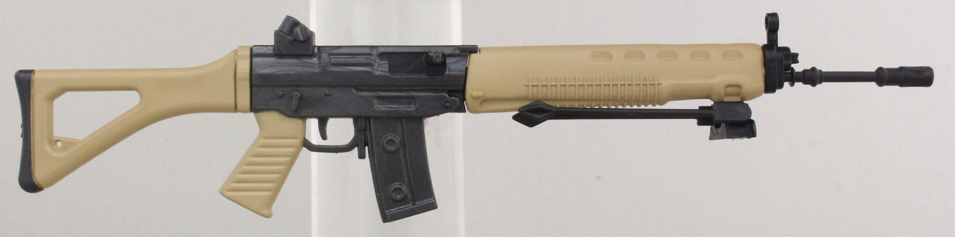 SG550 自動小銃