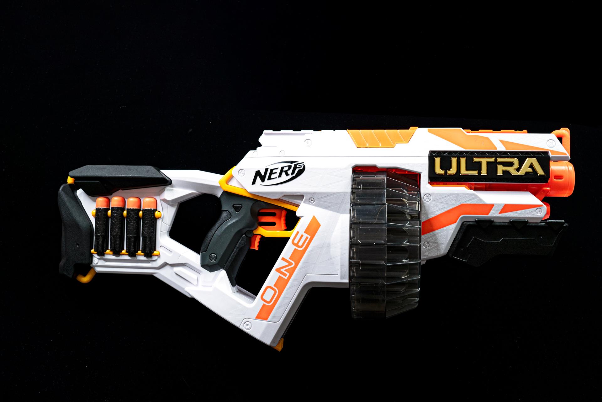 ボリューム感のある筐体で撃ちごたえ満点の「ナーフ ウルトラ ワン」、実売価格6,055円(税込)(税込)