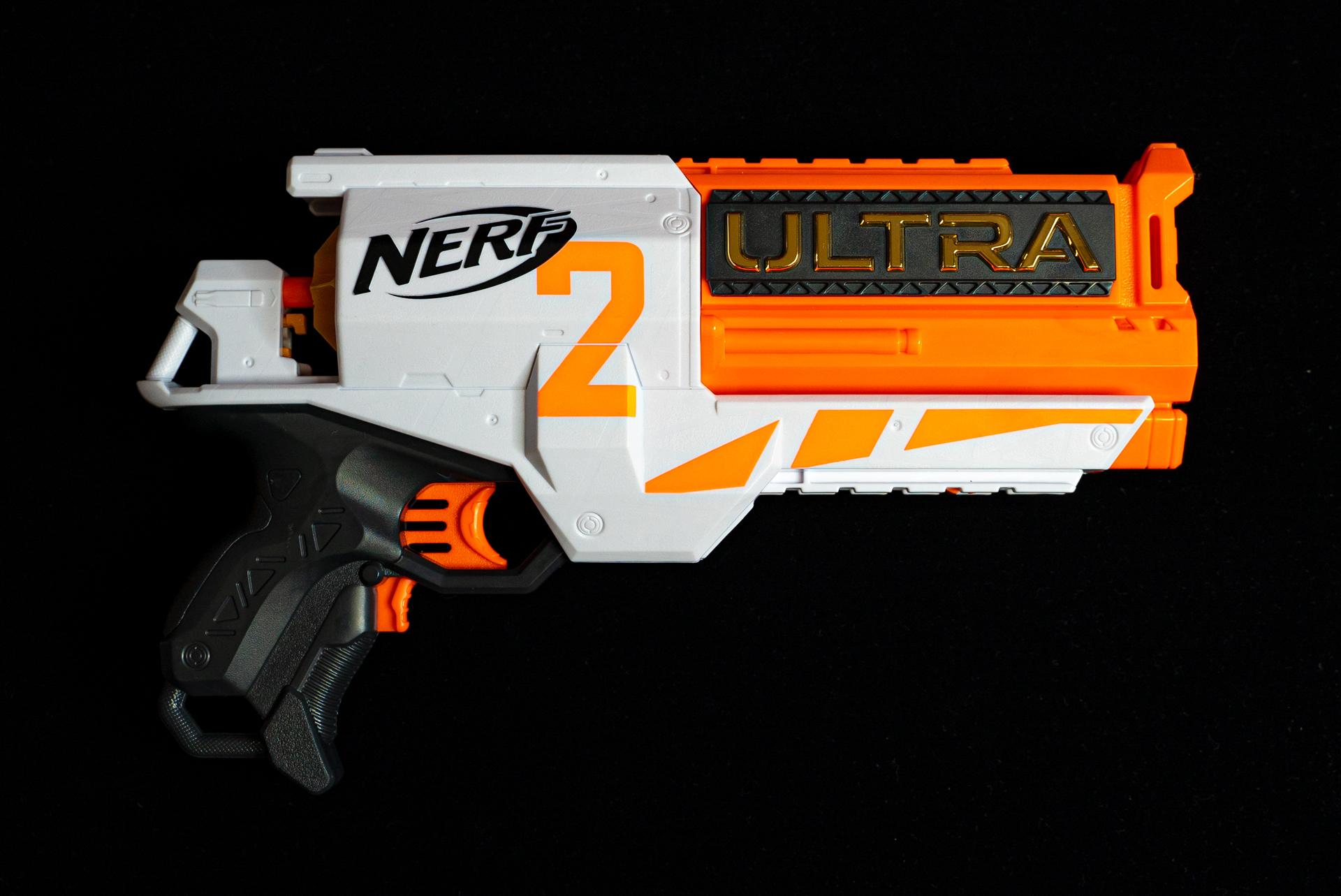 大型のリボルバーは物語の主人公気分になれる「ナーフ ウルトラ 2」実売価格3,620円(税込)