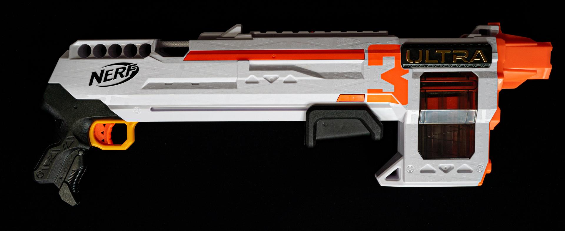 トイガンらしい実銃ではあり得なそうなフォルムも楽しい「ナーフ ウルトラ 3」、実売価格 3,498円(税込)