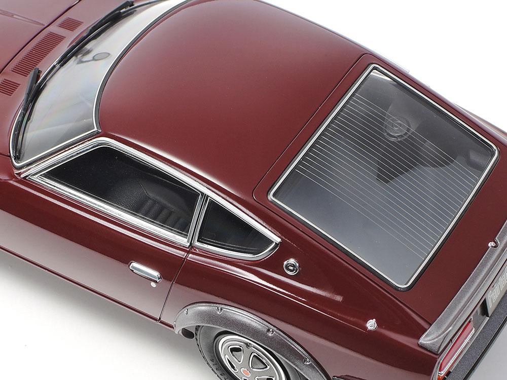 窓枠やドアノブ、アンテナなどにメッキパーツを使用