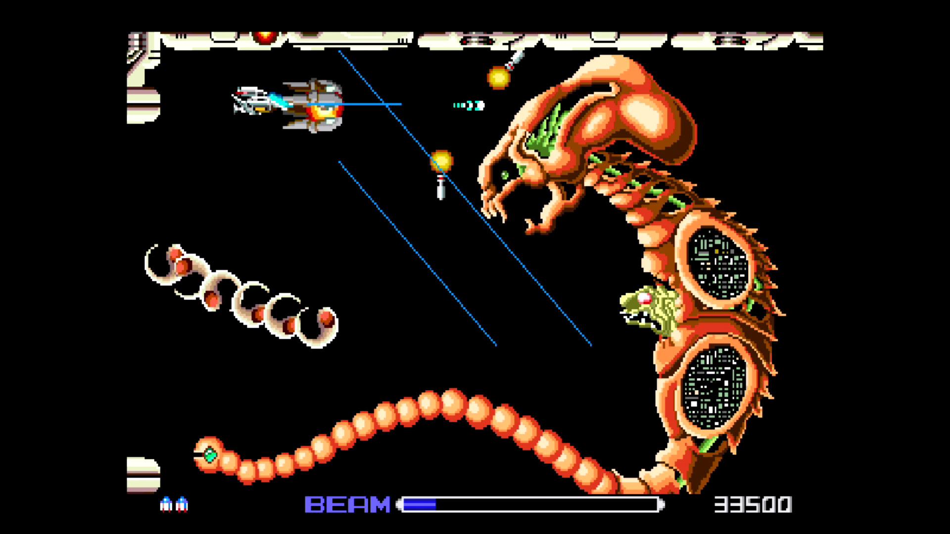 こちらは初代「R-TYPE」(PCエンジン版)。ゲームのパッケージにも描かれた大きいキャラは、1面のラストに登場するボス「ドブケラドプス」。
