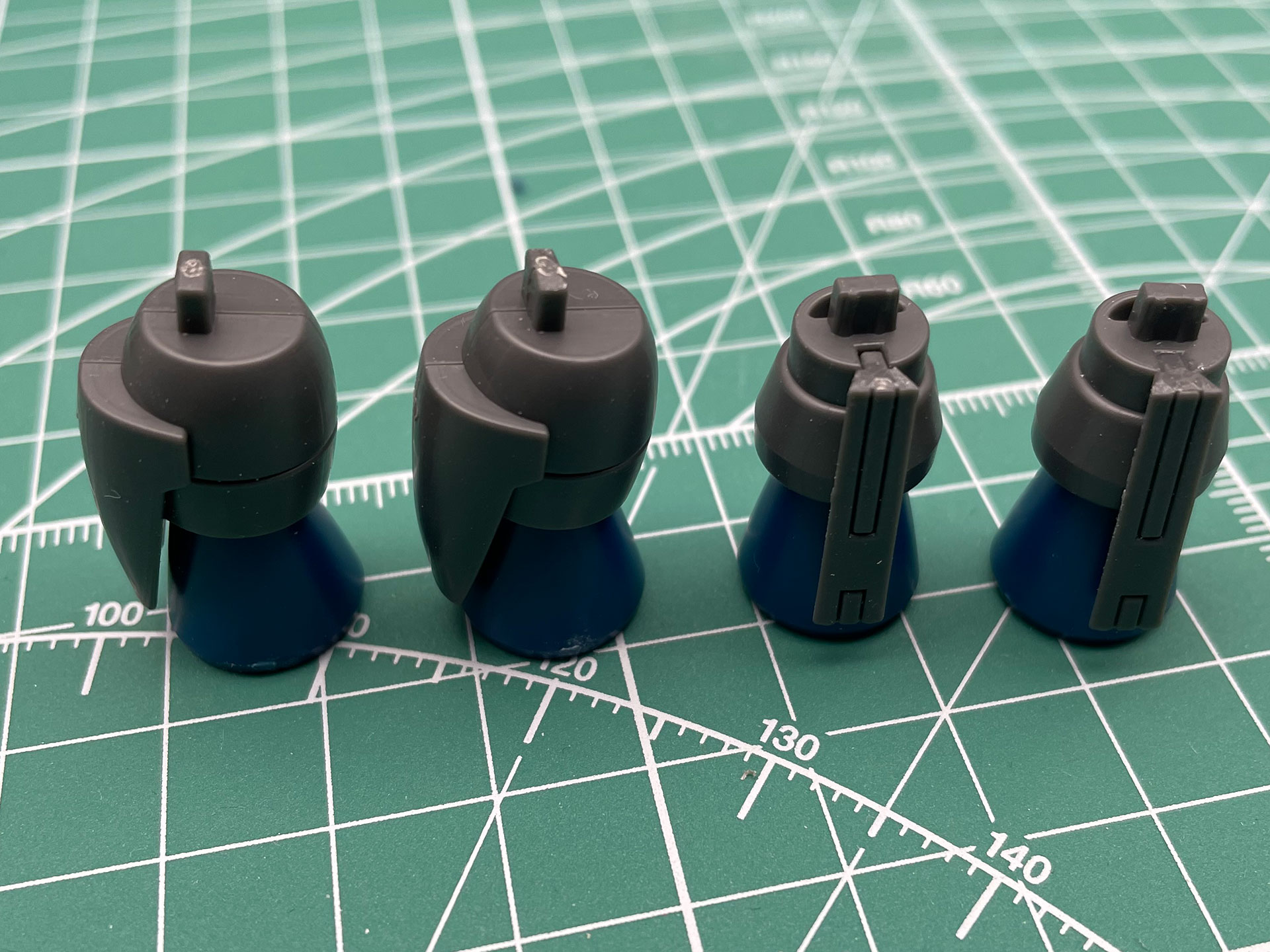 噴射口にあたるパーツを2個ずつ組み立てたところ。