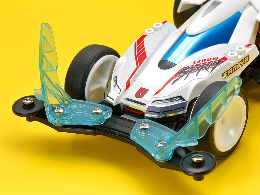 「フロントスタビライザー」は、ロードスピリット専用に開発されたブルーグリーン色のクリヤーパーツ