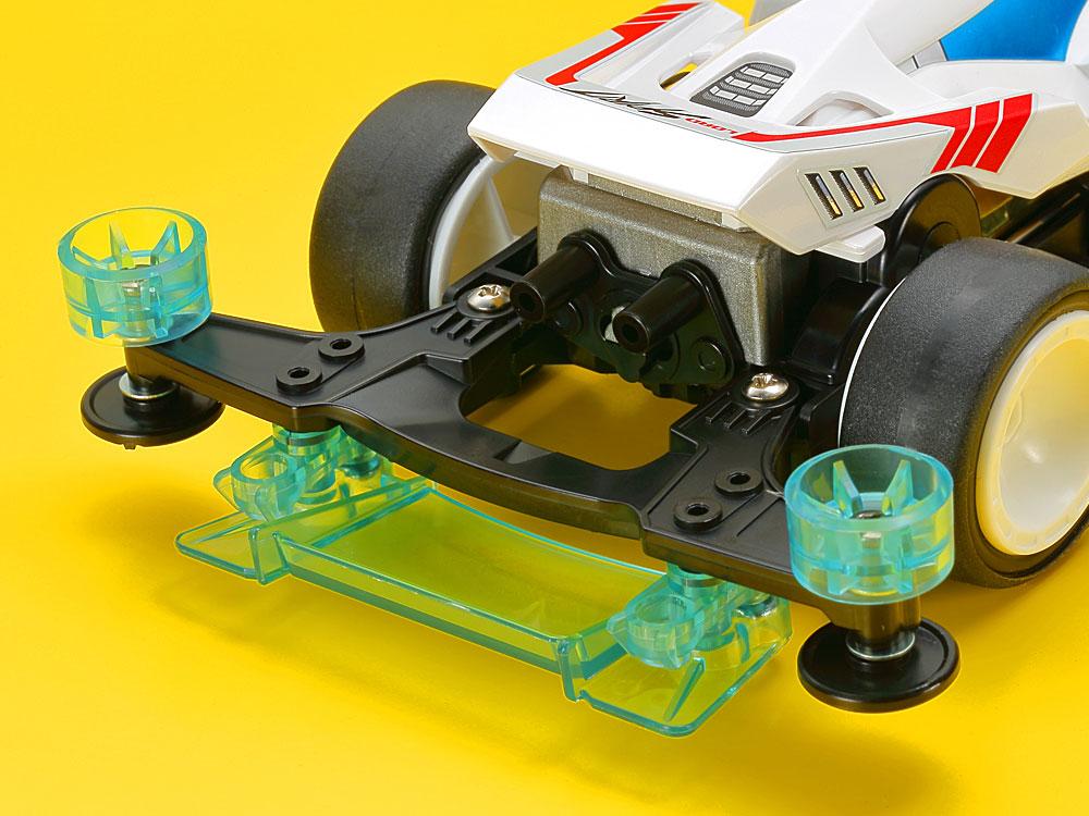 リヤステーには、 新規開発の「リヤハイトローラー」と「リヤブレーキ」を装備