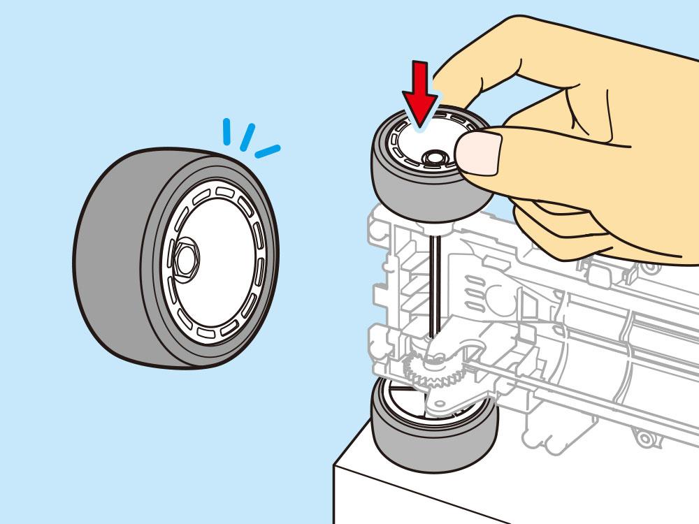 タイヤとホイールは大径タイプ。専用のディッシュホイールはタイヤをシャフトに差し込む際に、しっかりと力を伝える形