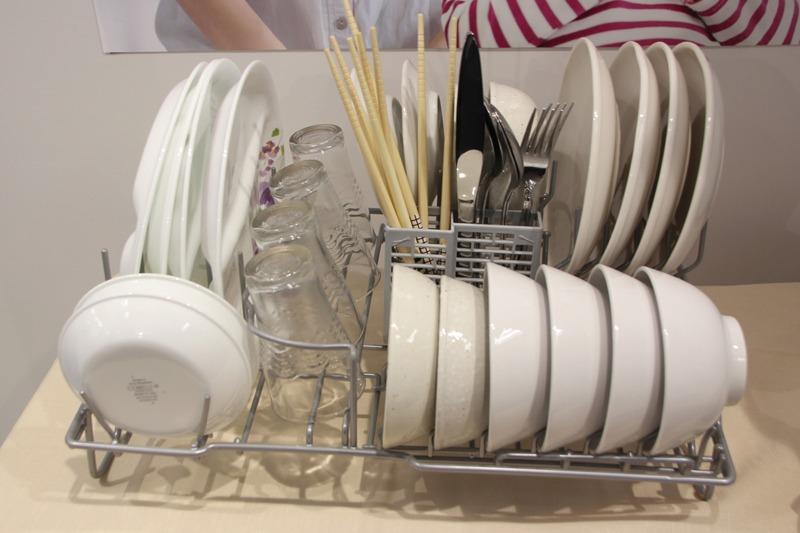 容量約3人分、食器点数24点を一度に洗える