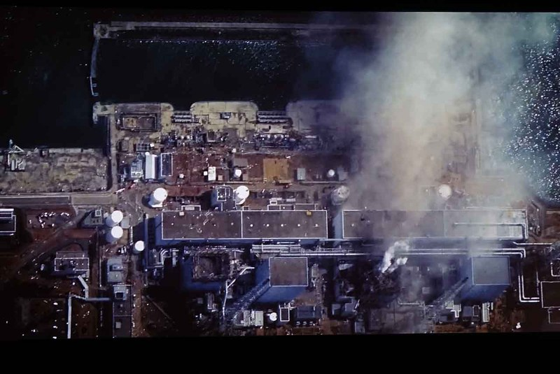 Walter Scott博士のプレゼンで示された衛星写真のひとつ。福島第一原子力発電所の様子だが、有事に高精細な写真をオンデマンド撮影可能になることで、様々な対処が可能になることの一例として示された