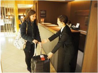 当日中に大阪市内のホテルで手荷物が受け取れる。