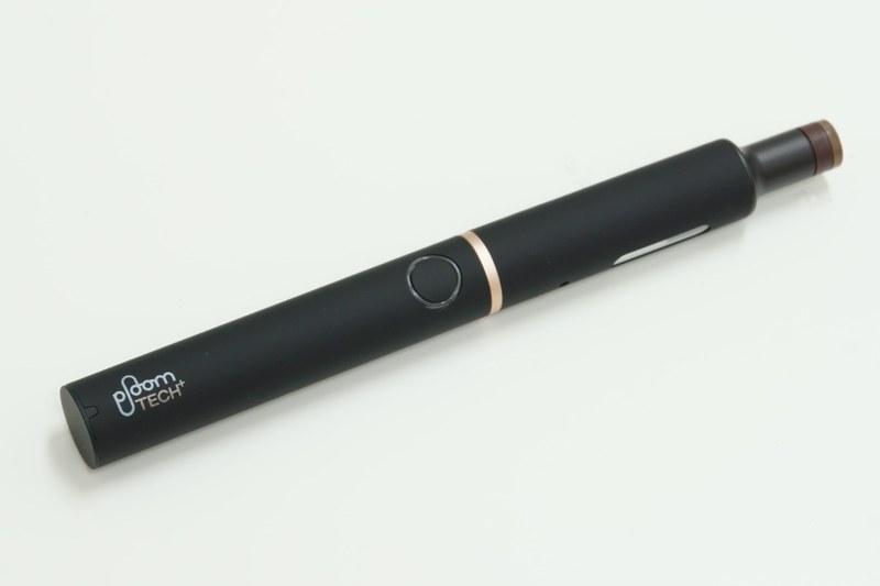 たばこカプセルを装着したプルーム・テック・プラス