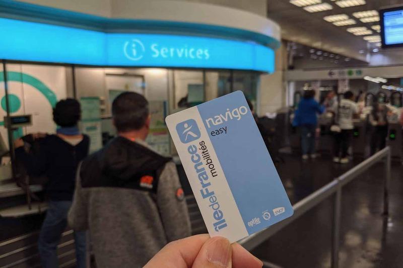 ホテル近くのMontparnasse - Bienvenueの駅でNavigo easyを2ユーロで購入。すぐに10回券を14.90ユーロでチャージする