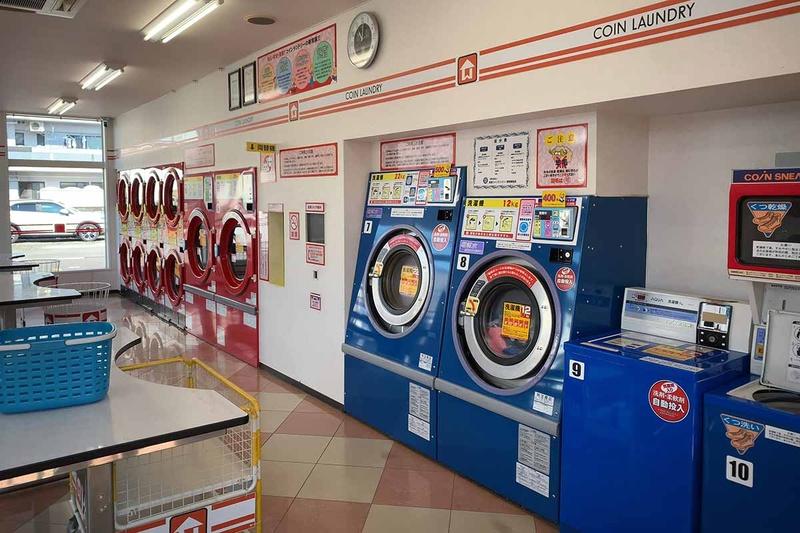 赤が乾燥機、青が洗濯機