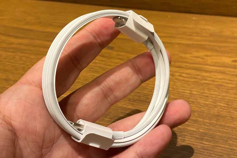 付属のケーブルはUSB Type-C接続のLightningケーブルになった。USB Type-Aの従来のケーブルも利用可能だという