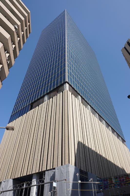 建設が進むHarezaタワー。'19年11月1日撮影