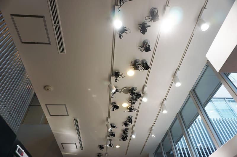 天井に設置されたカメラ