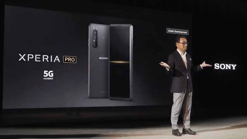 発表動画より。ミリ波対応の「Xperia PRO」の開発意向を表明。発売は2020年中だ