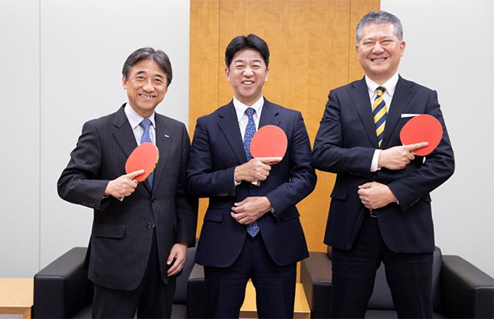 左から ドコモ 代表取締役社長 吉澤和弘氏、Tリーグ チェアマン 松下浩二氏、NTTぷらら 代表取締役社 長永田勝美氏