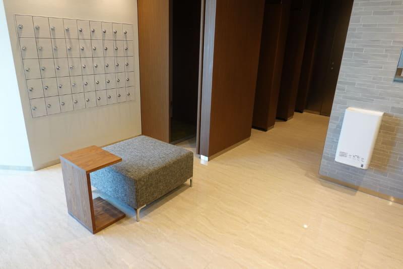 8階女性用トイレ室