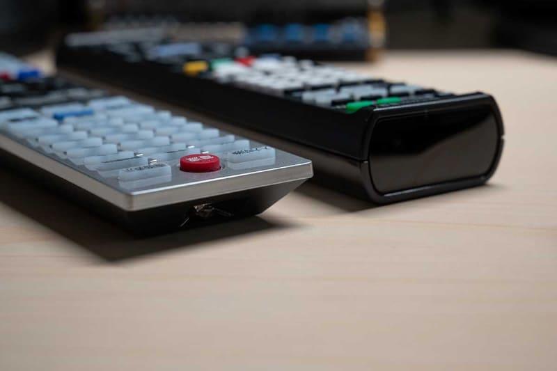 机に置いたままの操作では「RM-PLZ430D」に分があった