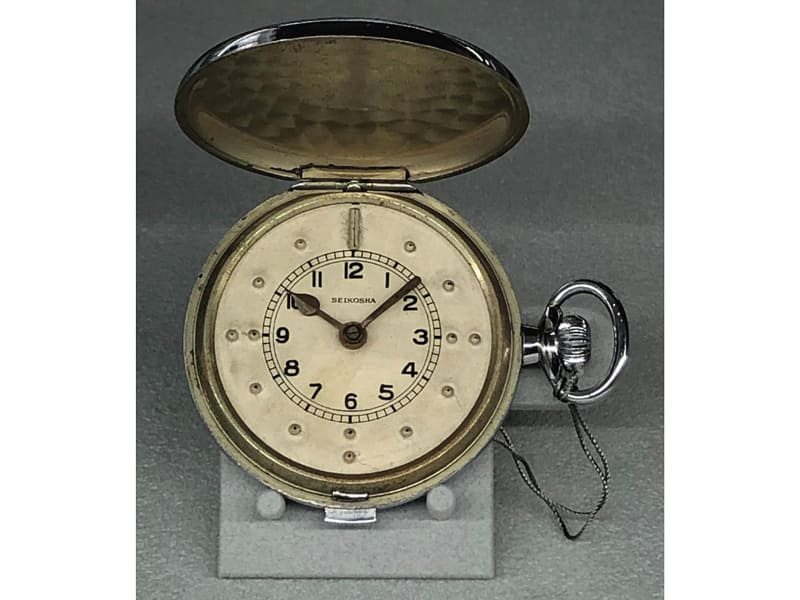 1939年 提時計タイプの触読時計