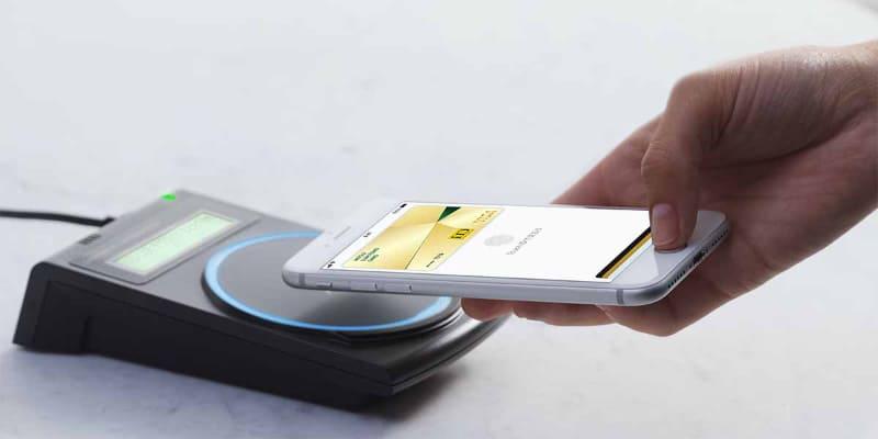 ついに国内発行カードでのVisaブランドでの決済に対応したApple Pay(出典:Apple)