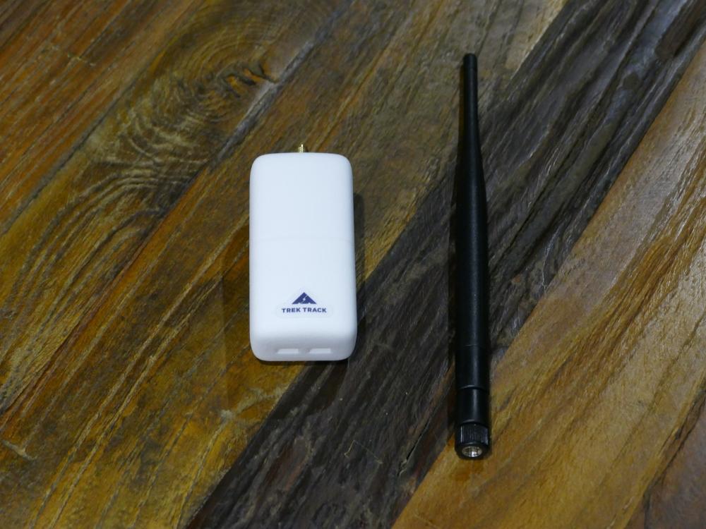 登山者が持ちやすいサイズに改良中のIoTデバイス