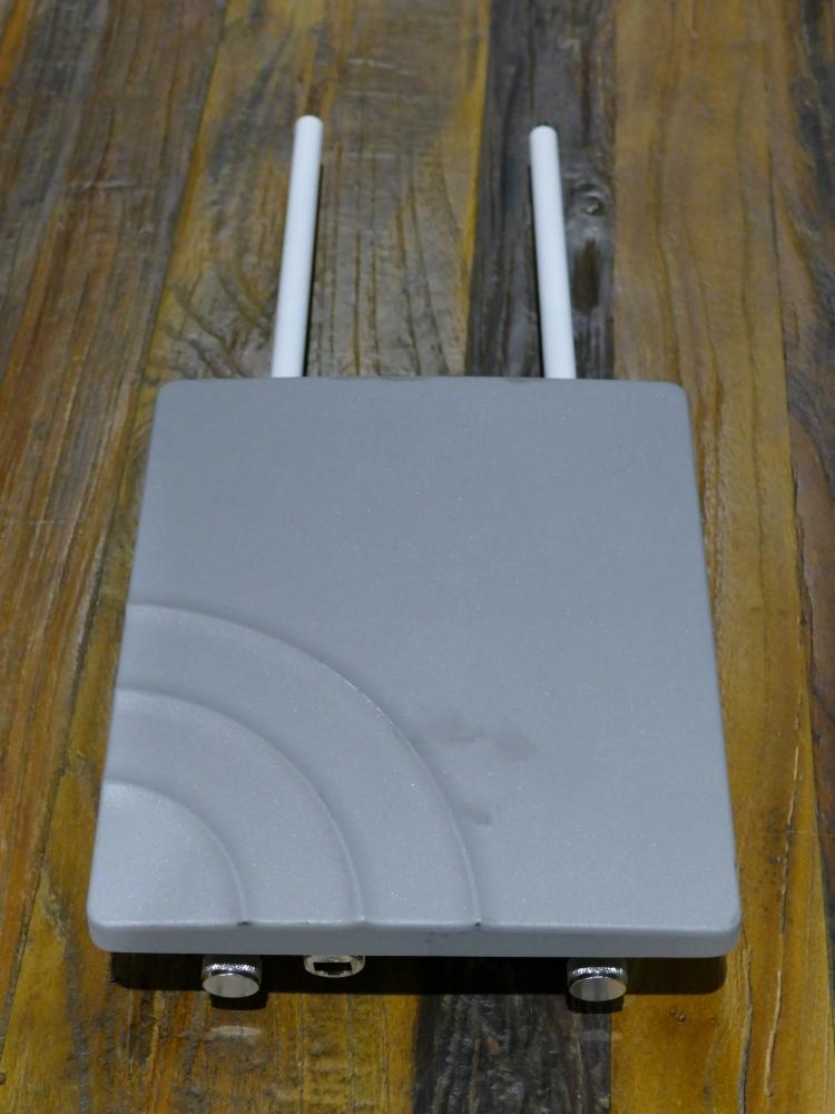 IoTデバイスから送られてきた位置情報をクラウドに中継するためのゲートウェイ