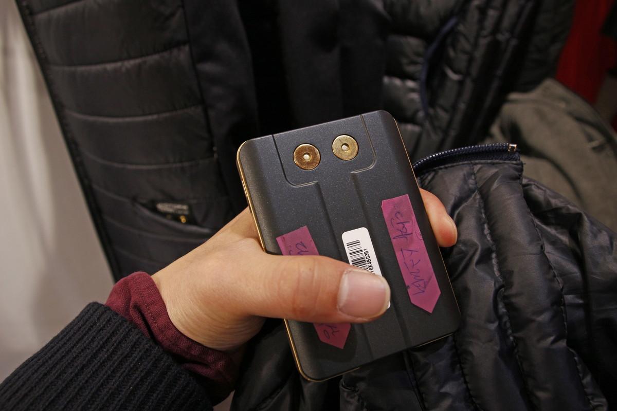 Bluetooth機能を備える純正バッテリー(税別6000円)