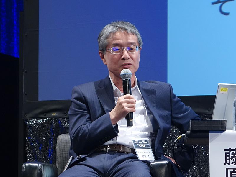 株式会社ブロードバンドタワー代表取締役会長兼社長CEOの藤原洋氏がモデレーターを務めた