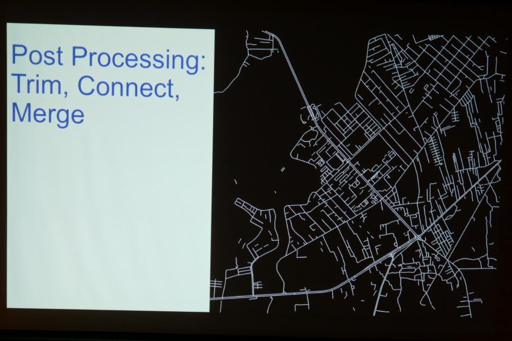 衛星画像から道路中心線を抽出
