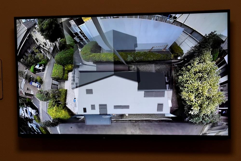 複数のカメラを組み合わせ、家を外から見ているような視点で状況確認できる