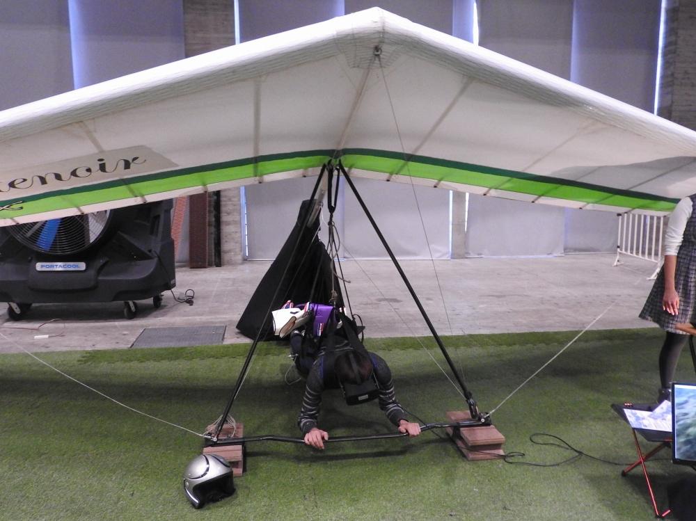 バルール株式会社と東京工業大学が共同で開発した「VRハンググライダー」