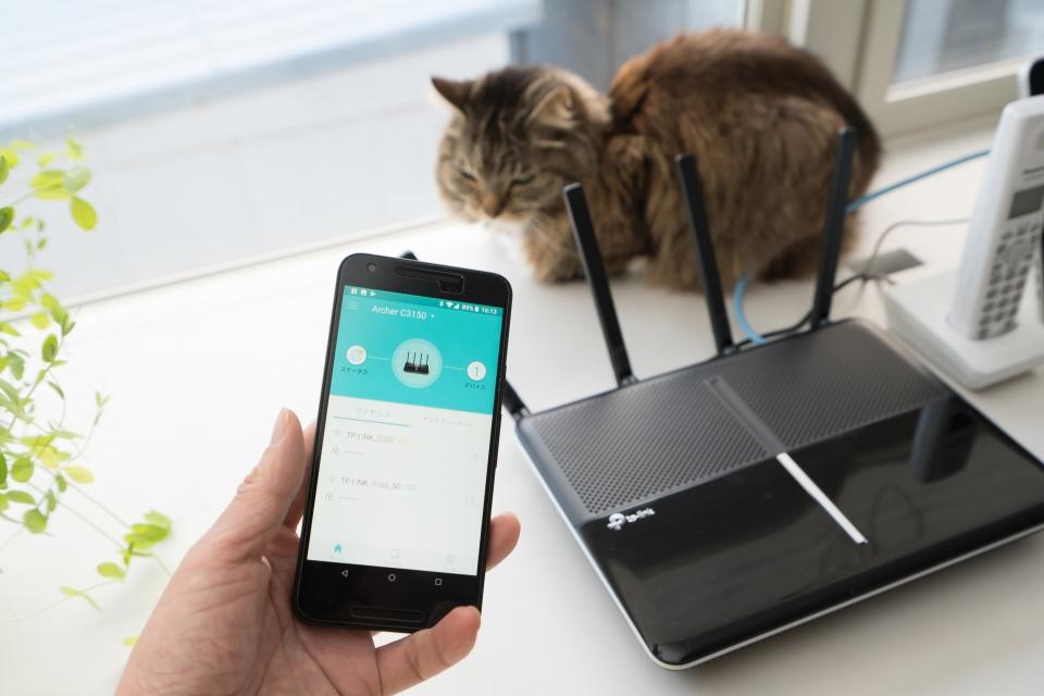 スマホを使いWi-Fi経由にてWi-Fiルーターに繋げて設定を試みる。TP-Link製のWi-Fiルーターは「Tether」というスマホアプリを使って設定と管理ができる
