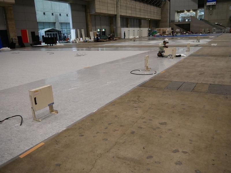 スタートアップ&ユニバーシティエリアは最初に100Vの電力を供給する装置を設置
