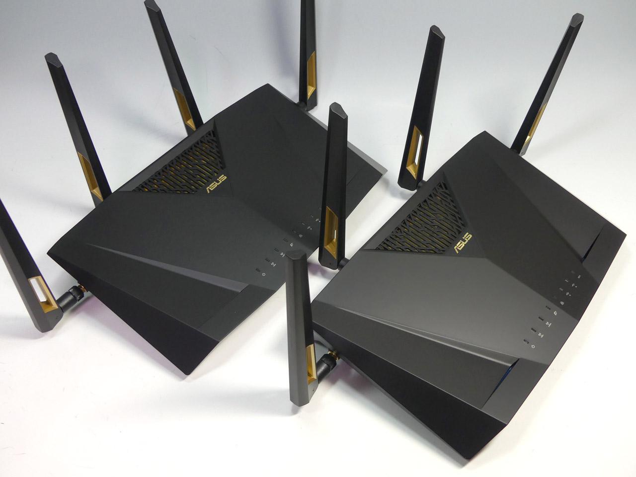 ASUSのドラフト版IEEE 802.11axに対応した「RT-AX88U」。今回のテストでは2台を使い、対向による通信で11axの真の実力を測ってみた