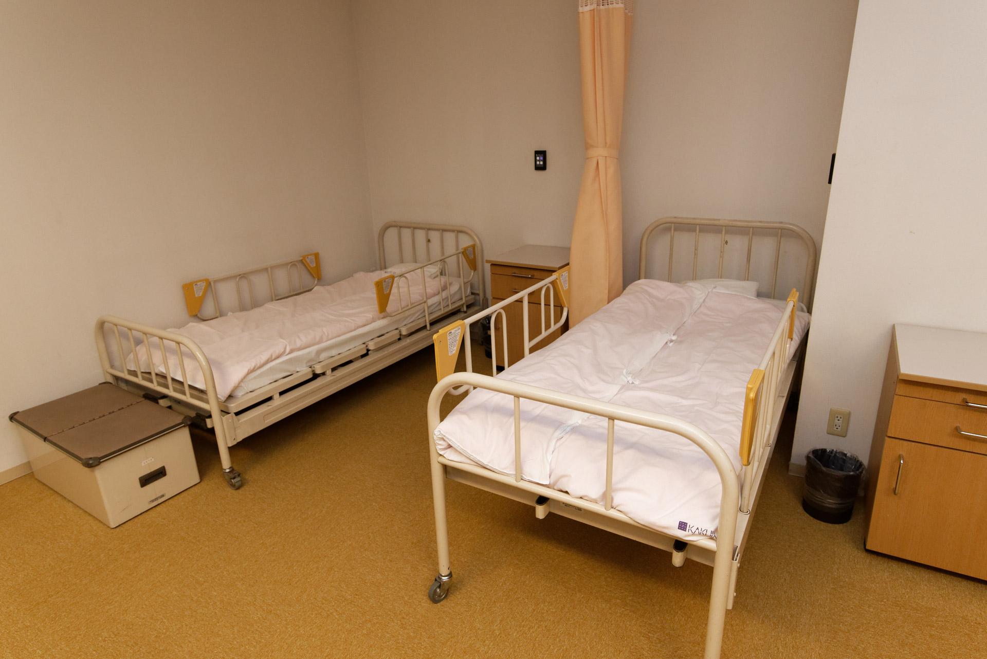 各ベッドのすぐそばに、HA化された照明などを操作するスイッチが設けられている