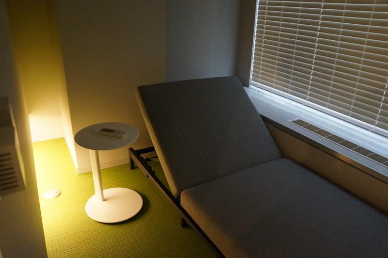 パナソニックによる仮眠室の実験。明かりで睡眠をコントロールする