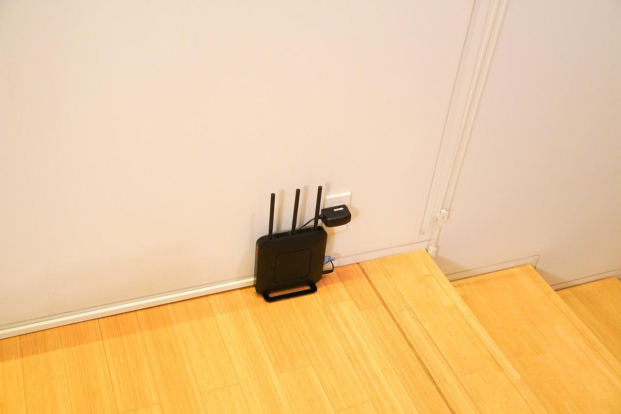 Wi-Fiルーターを家の中央あたりの通路の中間に移動してみる
