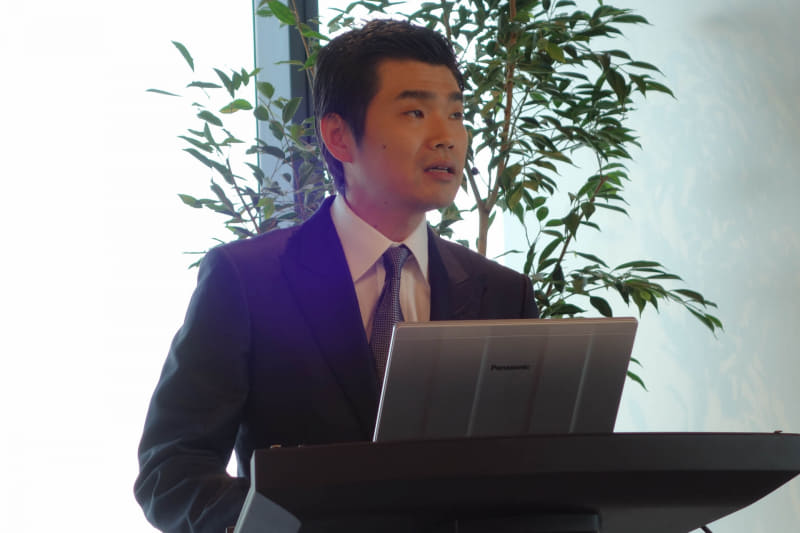 新オフィスのコンセプトを説明する木村弘毅社長