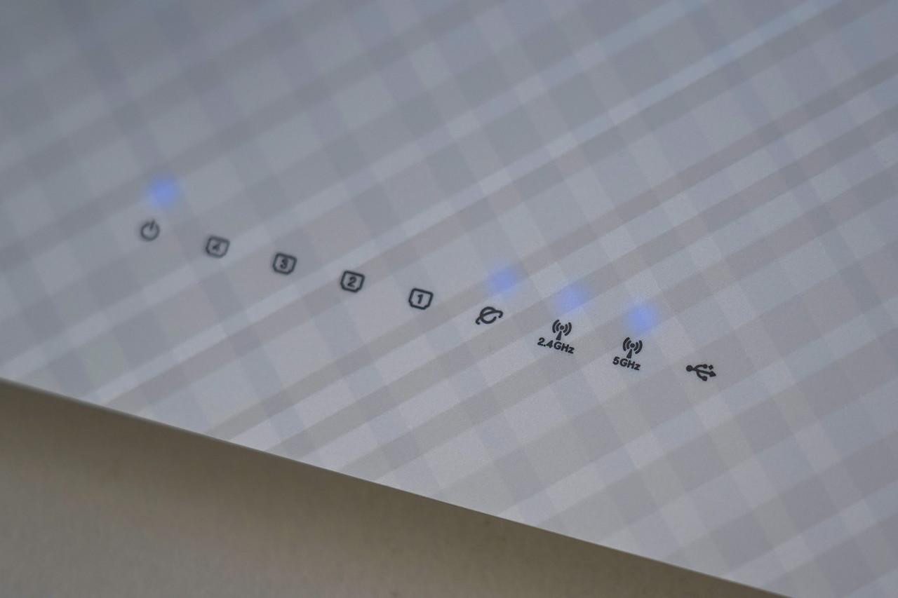 本体ランプでもある程度は状況を判断できる。インターネット接続のアイコンが点灯していれば接続されている