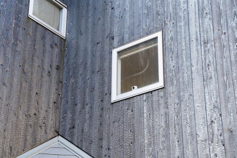 外から見ると、しっかり見張ってくれているのがわかる