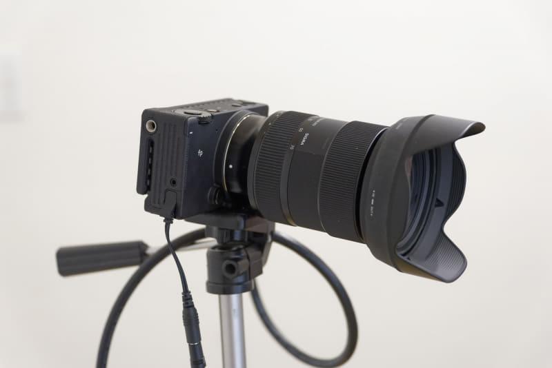 より広角にしたり、寄ったりできるズームレンズ「24-70mm F2.8 DG DN | Art」に交換