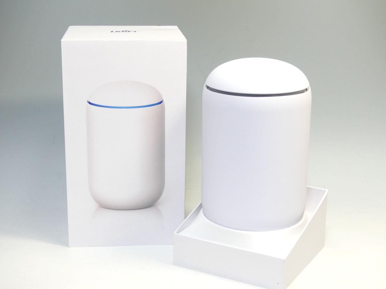 「UniFi Dream Machine」。米国では299ドル。日本では3万6700円で購入可能なオールインワンネットワーク機器
