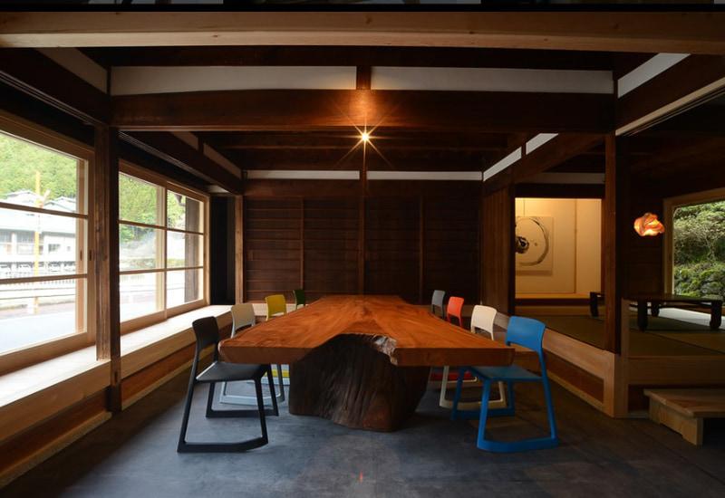 東吉野村にあるコワーキングスペース「OFFICE CAMP」は施設利用料500円/日。奥大和の中では街寄りにありアクセスしやすい