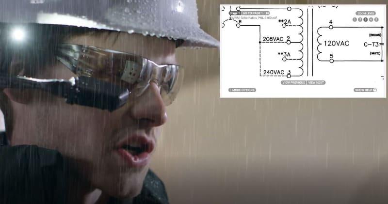 スマートグラスの利用の一例。雨が降っていても回路図がスマートグラスに映し出され、両手が使える