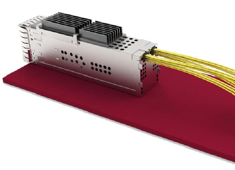 まるで光ファイバーを引っ張り出してるようにも見えなくはない。電源ラインは引き続きプリント基板から供給するとして、送受信8対16本については、ホストに接続する配線を直接引っ張り出す、という無茶なコンセプト図
